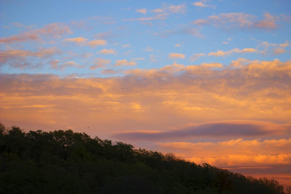 stealing-sunset-lookandstockphotos