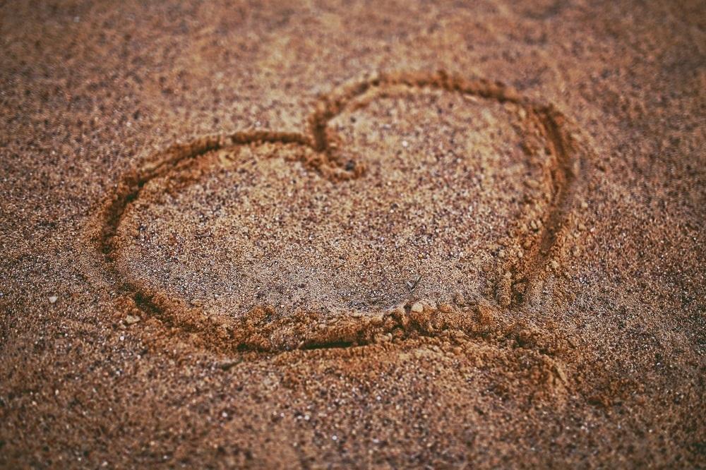 heart-on-the-sand