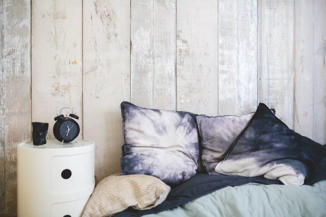 bedroom-clock-yesweblog