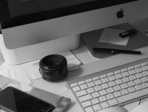 blogging laptop bw