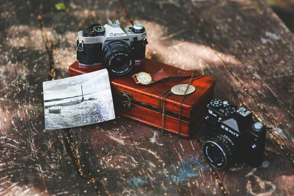 vintage-cameras-kaboompics