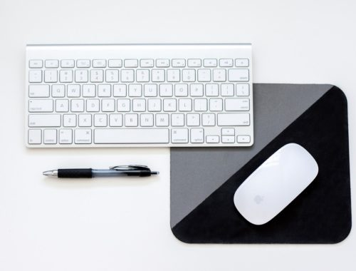 laptop-white-black-yesweblog