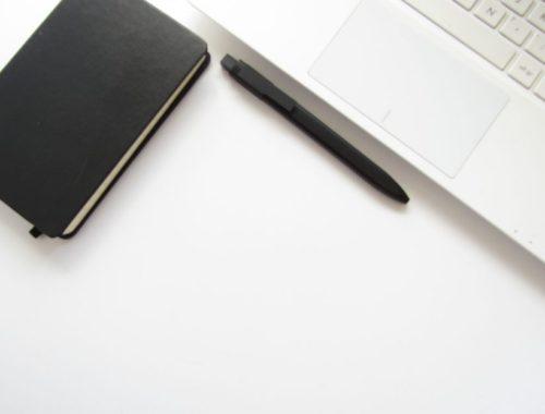 clavier latop carnet moleskine-freestockcphoto-zikkin bujo