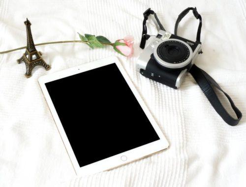 tablette-fleur-appareil-photo-tour-eiffel-yesweblog