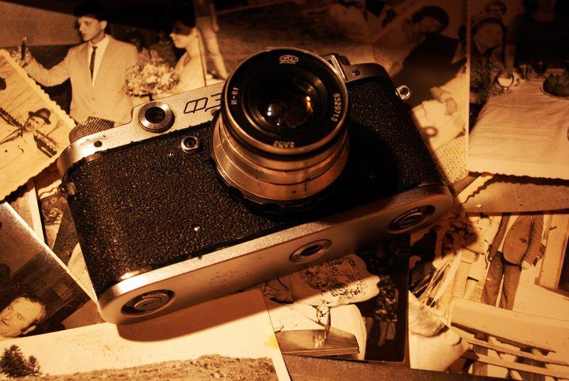 vintage-camera-sepia